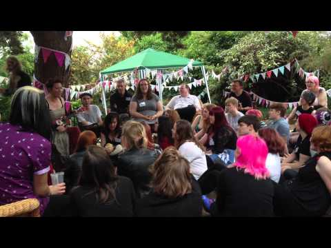 Amanda Palmer sings Map of Tasmania