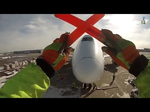 GoPro - Singapore Airlines Cargo Ramp Agent POV at Chicago O'Hare Int'l Airport [01.27.2014]