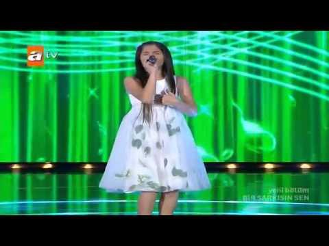 09 Canan Arlı Müdür Beyin Yeşil Kürkü 07 07 2012 Bir şarkısın Sen   YouTube