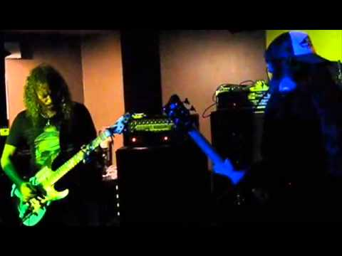 Kirk + Rob cover Thin Lizzy – Savatage reunite – Steve Vai live - U.D.O. live – Korn's Ray interview