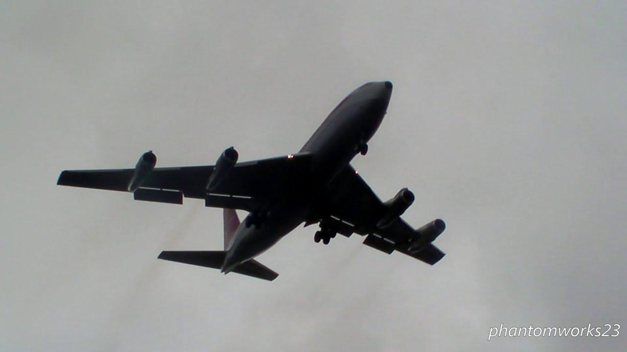 John Travolta Qantas 707 Landing 16r Sydney Airport Youtube