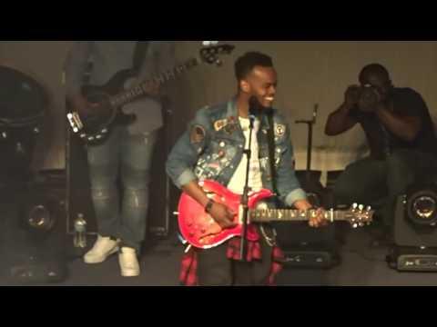 Travis Greene Singing IMELA By Nathaniel Bassey
