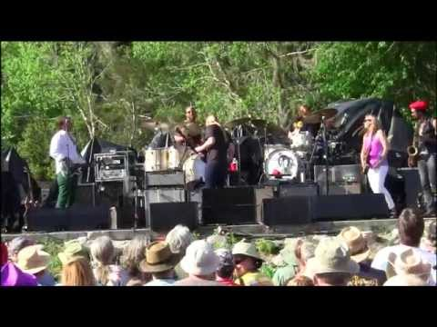 Tedeschi Trucks Band - Love Has Something Else To Say [Great 3-cam]
