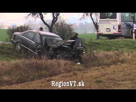 Pri dopravnej nehode medzi obcami Soľ a Hlinné sa zranili traja ľudia