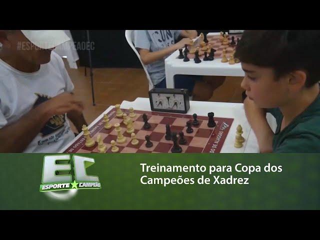 O Esporte Campeão acompanhou o treinamento de um grupo para Copa dos Campeões de Xadrez