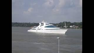 Superyacht Yas in Hamburg