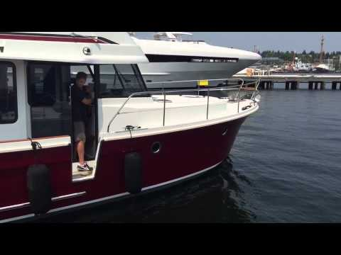 Docking a Swift Trawler 34