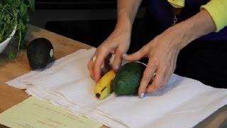 How to Ripen an Avocado With a Paper Towel : Avocado Recipes