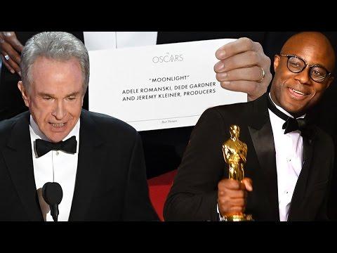 Epic Oscars Fail! - Warren Beatty and Faye Read Wrong Best Picture Winner La La Land vs Moonlight