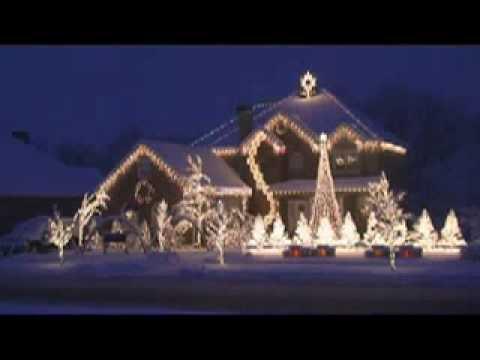 Bella casa di illuminazione di natale fotografia stock immagine