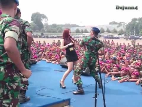 Lagu Dj Spesial India VS Barat Breakbeat Remix 2017