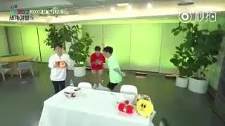 EXO-CBX大跳Baby Shark