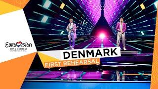 Fyr Og Flamme - Øve Os På Hinanden - First Rehearsal - Denmark 🇩🇰 - Eurovision 2021