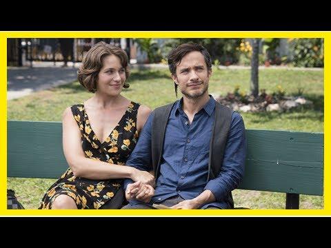 Download 'Mozart in the Jungle' Stars Lola Kirke and Gael Garcia Bernal on Season 4's 'Radical' Love Story (