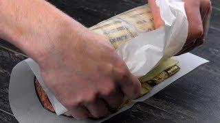 Wenn du alle Zutaten im Backpapier zusammenrollst, ist das perfekte Dinner garantiert.
