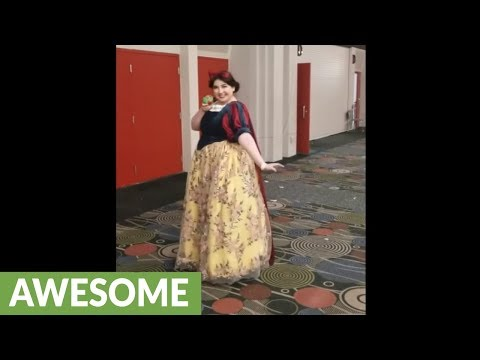 Incredible Snow White transformation cosplay