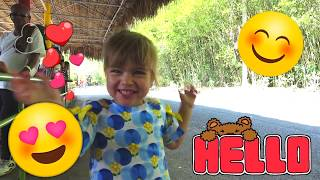Оливия с Мамой приехали в зоопарк Санто Доминго