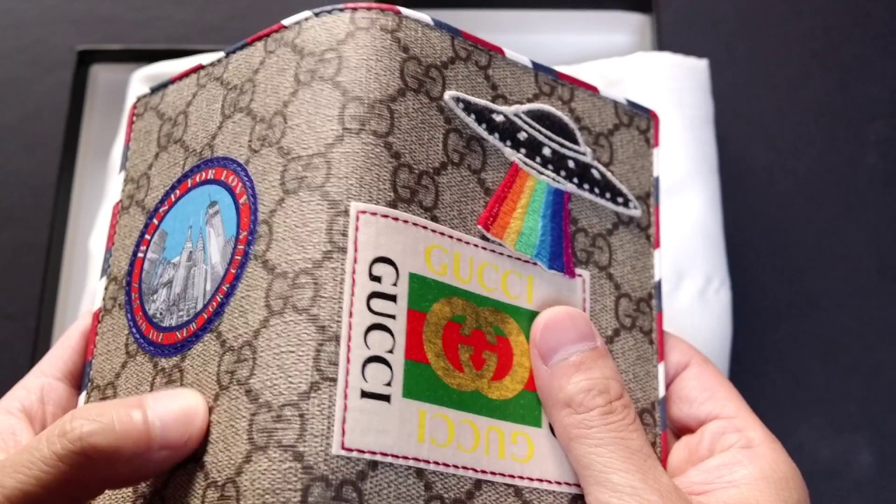 ddf2d24d8e75 Gucci Courrier GG Supreme men's passport case – Summer 2017 Unboxing ...