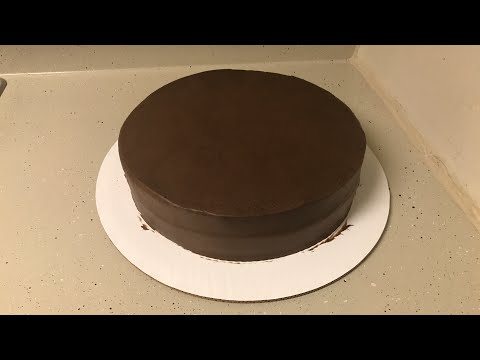 Decorando pastel de Fondant