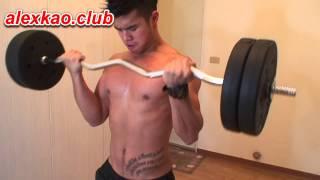 在健身房怎麼練二頭肌 how to build your biceps in the gym