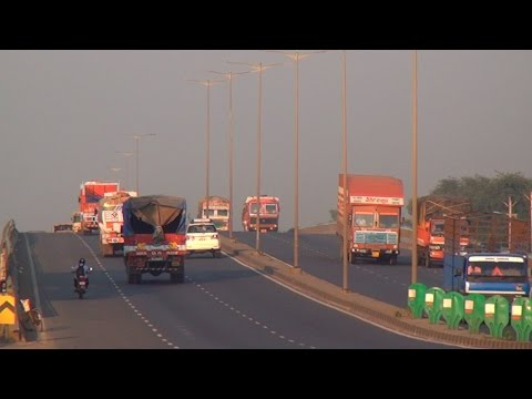 Heavy Vehicular Traffic at Mumbai Ahmedabad National Highway 8 moving like Narendra Modi Wave !!!