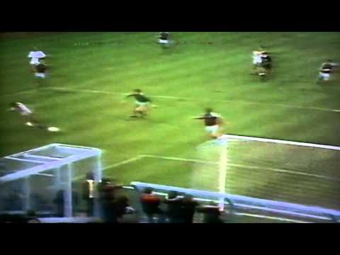 Luton Town 3-2 West Ham Lge B Stein 2 Moss 1st Half Short Hlights  15th Nov 1980.MP4