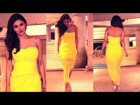 Mouni Roy LOOKS GORGEOUS at Ritesh SIdhwani Christmas Party