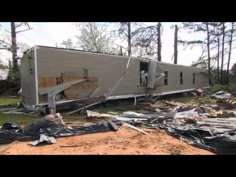 Tornados Já Mataram 35 Pessoas Nos EUA - Leitura Dinâmica 29/04/2014