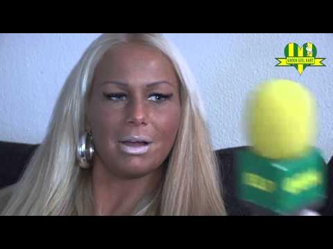 Barbie en Michael hebben een interview met de heren van Groen Geel Hart