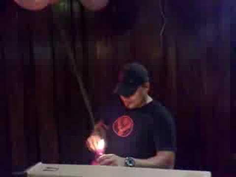 DJ Mark van Surprisebar goes karaoke!! Deel2!