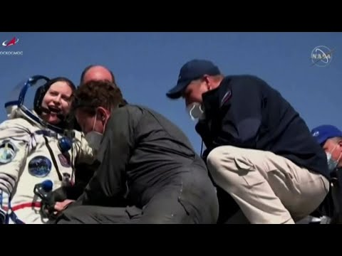 Soyuz, atterraggio ok: dopo 6 mesi sulla Iss tornano 3 astronauti