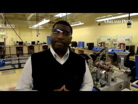 Teacher Demetrius Wilson in the Engineering/Emerging Technologies class at Oakland Schools Technical