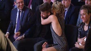 Shakira consuela a un emocionado Gerard Piqué