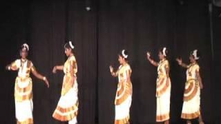 Suprabhatam Remix  Mohiniyattam  SNMC Onam 2008