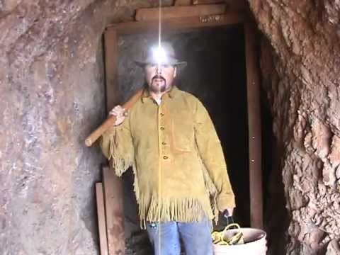 FINDING GOLD !!!  in Old Abandoned Mines....