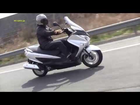 Video kawasaki j300 roller test action v max details 2014