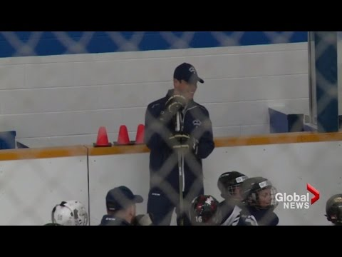 Sidney Crosby returns to Cole Harbour, NS for annual hockey school