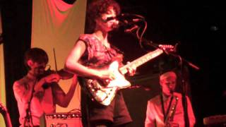 "St. Vincent - ""Save Me From What I Want"" (6/4/09 Live at First Avenue)"