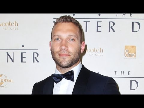 7 Reasons Why 'Insurgent's' Jai Courtney Is a Megastar in the Making