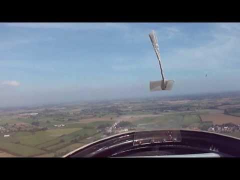 OMG!! Guy pulls onto runway when landing NO ENGINES !!!