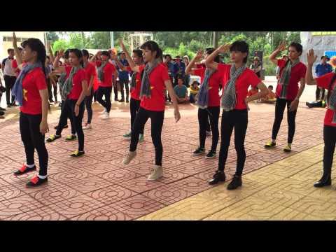 Múa dân vũ Anh Ba Hưng