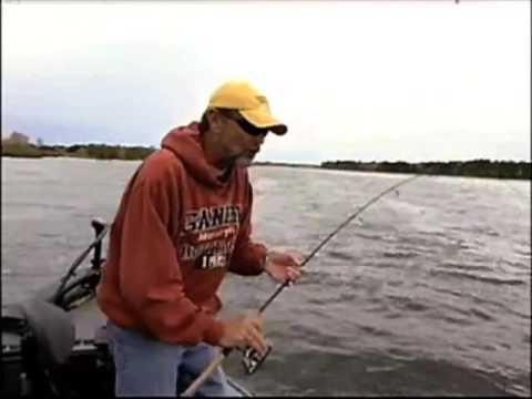 Video clip hay successful fall walleye jigging tips for Fall walleye fishing