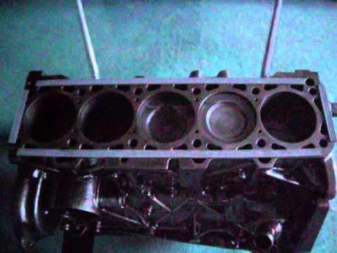 Audi 5 Zylinder Motorblock Wohnzimmertisch Living Room Table