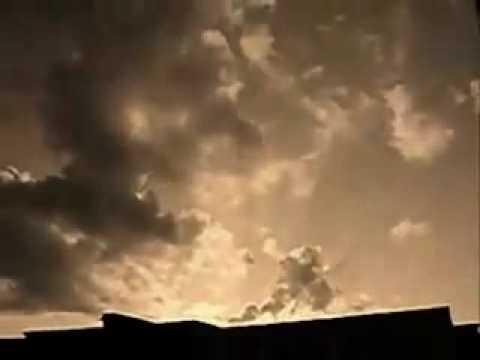 летели облака скачат песню