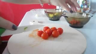Вкусный салат со шпинатом и морепродуктами