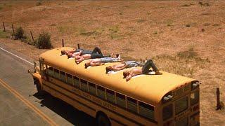 23年後食人魔再現,把整個校車的學生當做獵物!超重口驚悚片