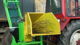 Repeat youtube video Rębak walcowy GR-110 z taśmociągiem