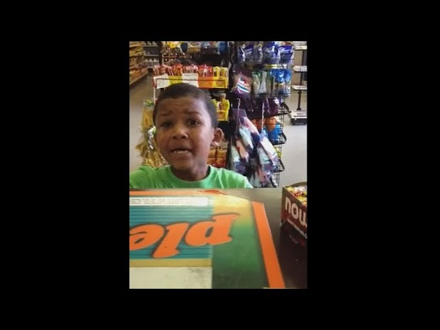 hij probeerde uit een winkel te stelen..
