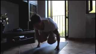 How to build strength with body weight training (Planche, Handstand push-ups...)