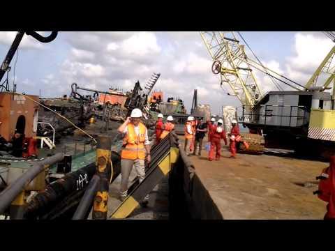 Ship breaking in Lagos, Using the DEHACO hydraulic sheers